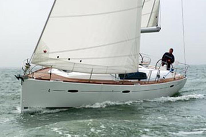 Oceanis 43