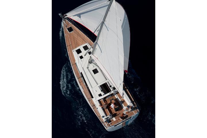 Oceanis 45-4 CABINS