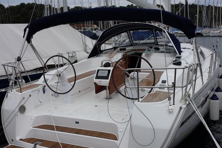 Bavaria Cruiser51