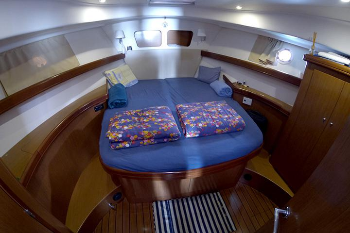 Beneteau S. Trawler 42