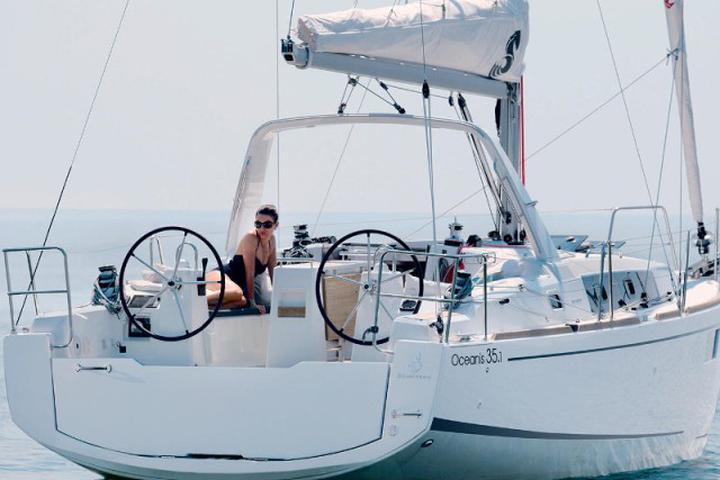Oceanis 35